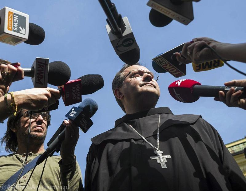 Biskup Damian Muskus podczas konferencji ws. raportu na temat ŚDM
