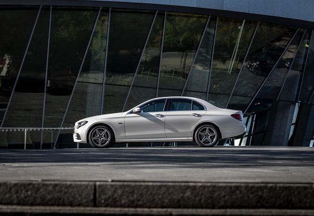Opinie Moto.pl: Mercedes Klasy E 300 de. Hybrydą w trasę
