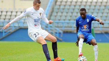Lech Poznań - Pogoń Szczecin 0:0 w sparingu rozegranym we Wronkach. Mateusz Matras i Muhamed Keita