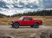 Jeep Gladiator szturmem wjeżdża do Europy. Czy Wrangler-pickup zdobędzie rynek?