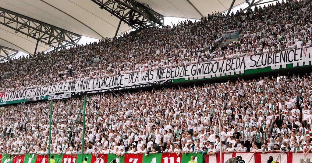 Transparent na meczu Legia - Piast Gliwice