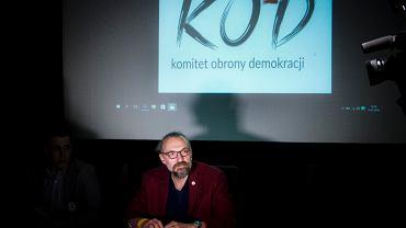 Mateusz Kijowski na spotkaniu podlaskiego oddziału Komitetu Obrony Demokracji w Białymstoku