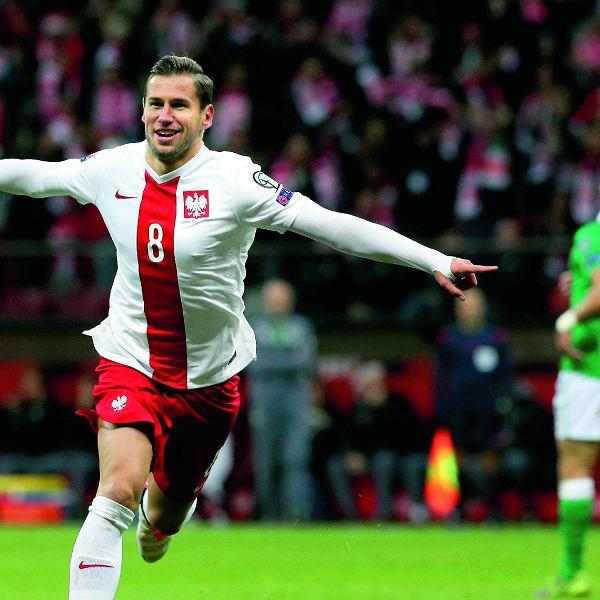 Grzegorz Krychowiak podczas meczu eliminacji Mistrzostw Europy Polska - Irlandia.