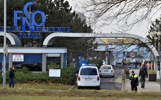 Czechy. Sześć osób zginęło w wyniku strzelaniny w szpitalu w Ostrawie. Trwa pościg za sprawcą