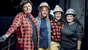 370 km od Warszawy. Na oddziale kontroli jakości kopalni Pniówek pracują same kobiety, jest ich 18. Od lewej: Urszula Wejster, Sylwia Tomica, Anna Stokłosa-Piecha, Urszula Gruszka