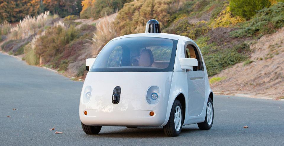 Auta Google'a przejechały w trybie autonomicznym 1,6 mln km. W tym czasie wzięły udział w 11 niezawinionych przez siebie kolizjach