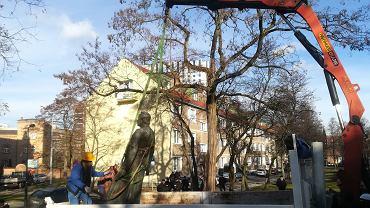 Demontaż pomnika ks. Jankowskiego w Gdańsku
