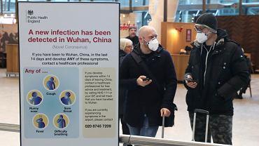 Informacja o koronawirusie na lotnisku Heathrow (zdjęcie ilustracyjne)