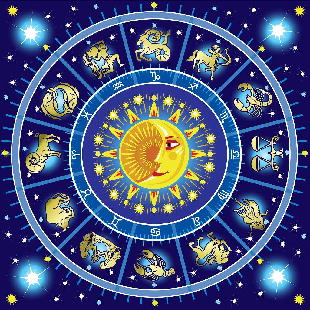 Horoskop dzienny na środę 3 lutego - Byki czeka spokojny dzień, na drodze Ryb stanie miłość sprzed lat. Zdjęcie ilustracyjne
