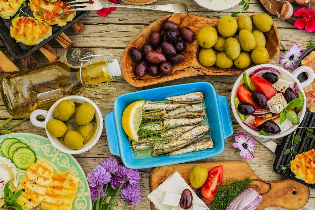 Dieta śródziemnomorska może spowolnić proces starzenia. Co warto jeść, by być młodszym?
