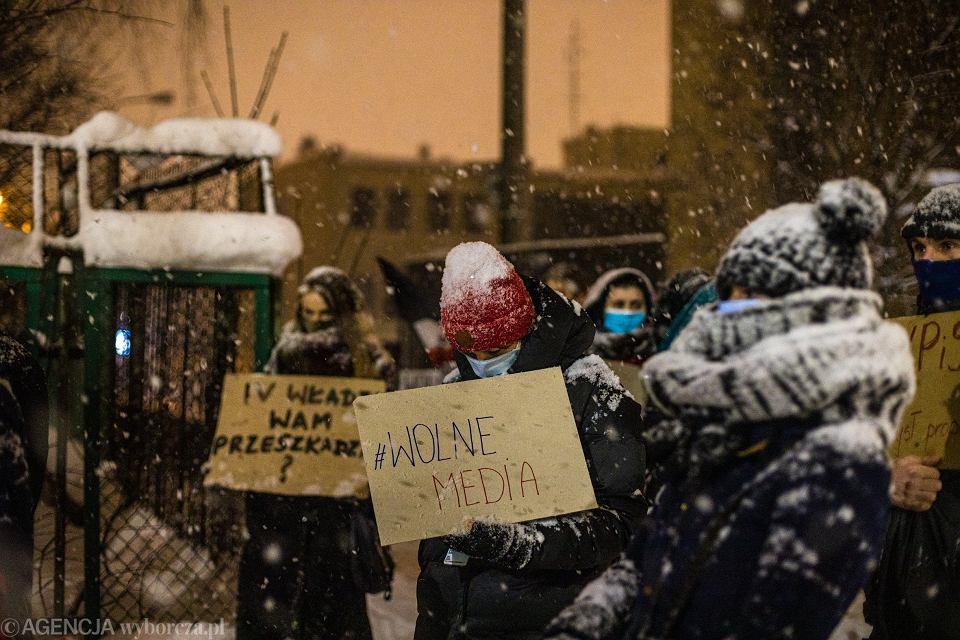 Zdjęcie numer 2 w galerii - Do solidarności z polskimi wolnymi mediami wzywam wszystkie wolne media na świecie