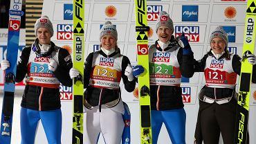 Norweska drużyna mieszana. Halvor Egner Granerud, Maren Lundby, Robert Johansson i Silje Opseth