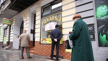 Pleszew. 59-latka złamała kwarantannę, żeby pójść na zakupy. Zapłaci 5 tys. zł (zdjęcie ilustracyjne)
