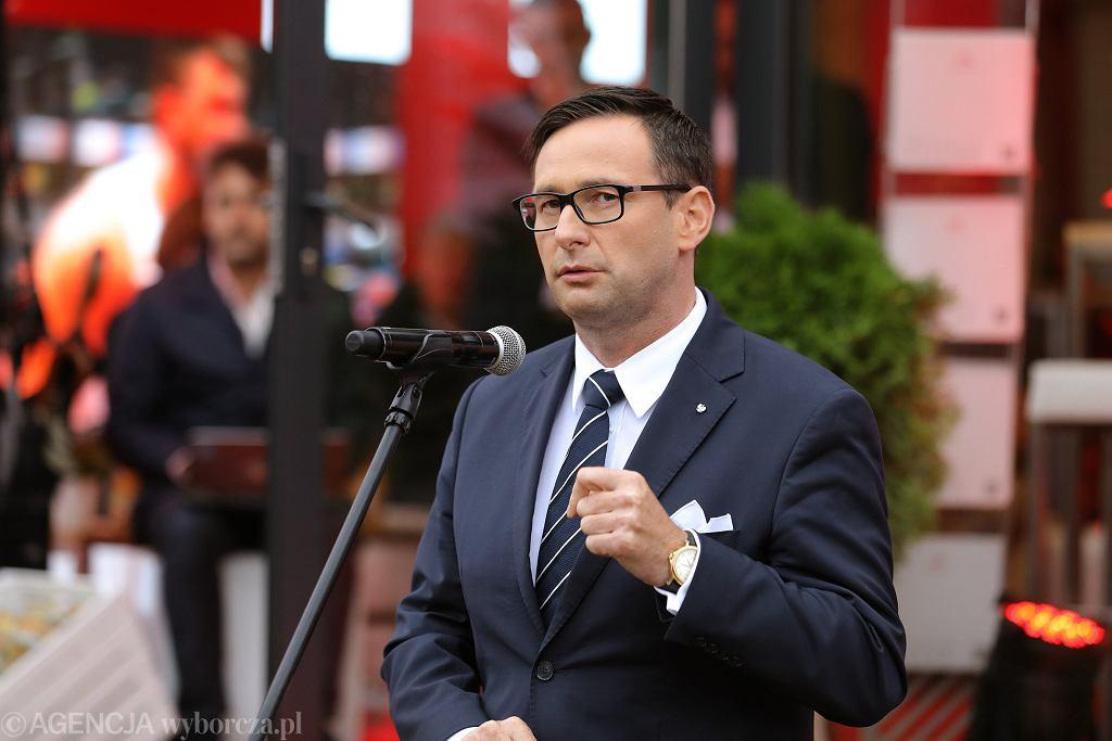 Były wójt Pcimia, obecny prezes Orlenu (z nadania partii rządzącej) Daniel Obajtek podczas XXIX Forum Ekonomicznego w Krynicy, 3 września 2019