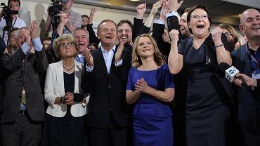 Wieczor wyborczy w sztabie PO - euforia po ogłoszeniu wyników exit poll