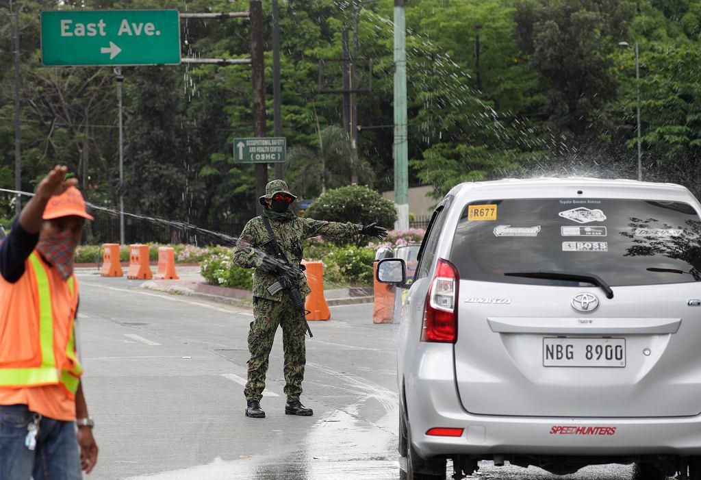Koronawirus na Filipinach. Prezydent Duerte do policji i wojska o łamiących kwarantannę: Zabijcie
