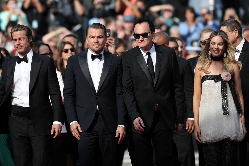 Brad Pitt, Leonardo DiCaprio, Quentin Tarantino i Margot Robbie na czerwonym dywanie (Festiwal Filmowy w Cannes)