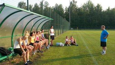 Trener Mirosław Orczyk i zespół JAS FBG podczas treningu na Stadionie Ludowym