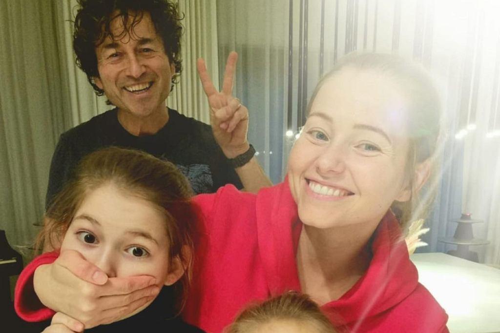 Agata i Piotr Rubikowie z córkami