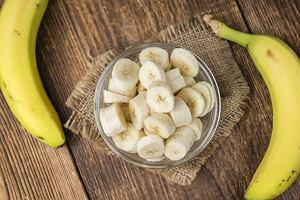 Dlaczego warto przed treningiem zjeść banana? Ten owoc może być lepszym rozwiązaniem niż przedtreningowe odżywki
