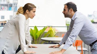 Nie potrafimy ze sobą rozmawiać. Rozmawiając, koncentrujemy się na treści, a nie na drugiej osobie