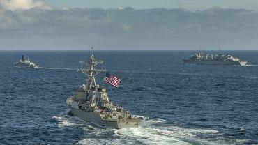 Amerykańskie i brytyjskie jednostki na Morzu Barentsa
