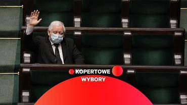 Jarosław Kaczyński podczas głosowania w Sejmie