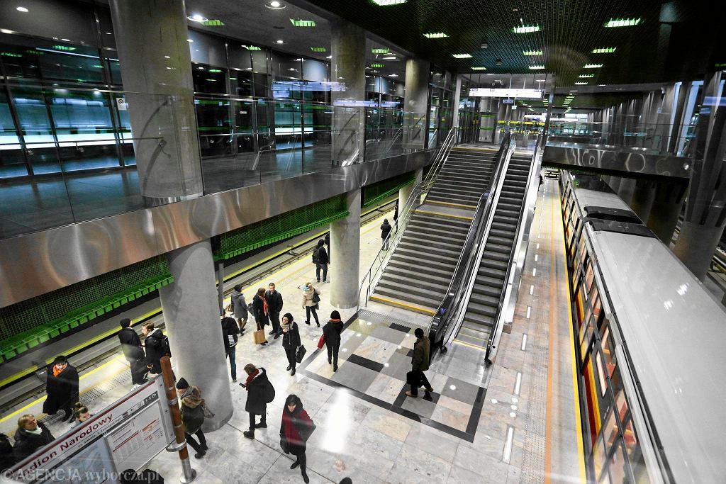 Stacja Stadion Narodowy kosztowała kilkaset milionów złotych. Jest ogromna, bo planowano ją z myślą o obsłudze odnogi metra na Gocław