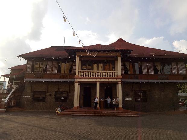 Kapitan Moy, 200-letni budynek na Filipinach