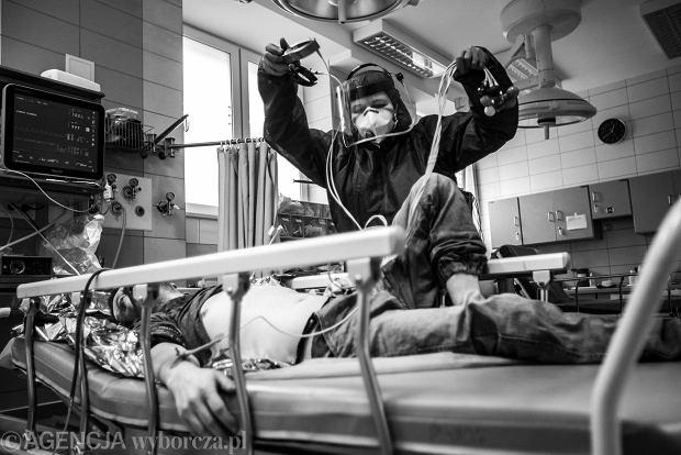 Zdjęcie numer 0 w galerii - SOR w czasie pandemii. Zobaczyłem z bliska pracę, która ma głęboki sens