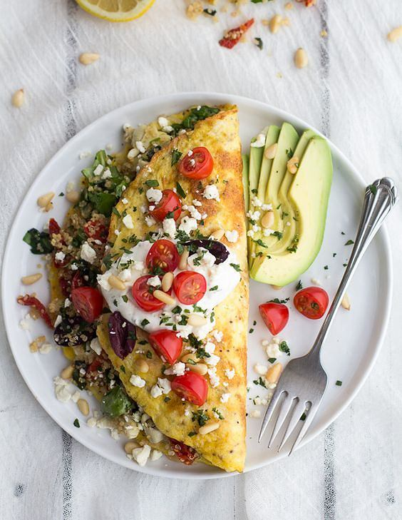 Omlet z warzywami to sycąc a jednocześnie lekkie śniadanie