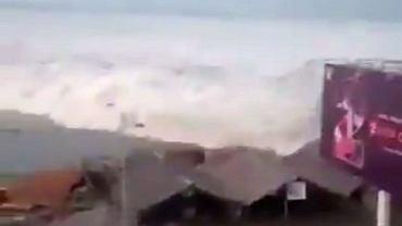 Indonezja. Tsunami na nagraniu