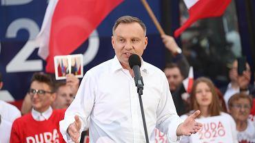 """Andrzej Duda komentuje swoje słowa o szczepieniach. """"Stop manipulacji"""""""