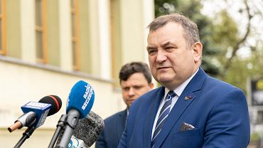Politycy PiS grożą opuszczeniem komisji ds. klimatu. Awantura o Gawłowskiego w Senacie