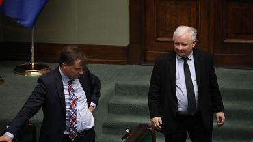 Minister sprawiedliwości w rządzie PiS Zbigniew Ziobro i 'szeregowy poseł', prezes partii rządzącej Jarosław Kaczyński. Warszawa, Sejm, 24 lipca 2020