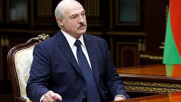 Aleksander Łukaszenka przygotowuję się do wizyty na Kremlu. W tym celu lansuje nową wersje wydarzeń w swoim kraju. Okazuje się, że tak naprawdę w ciągu ostatnich tygodni bronił on nie swojej władzy, tylko Rosji, która jest zagrożona. Na zdjęciu: konferecnja prasowa satrpy, Mińsk, 7 września 2020