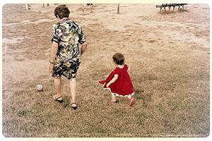 Polacy w Irlandii. Gdy polska babcia dostaje telefon, że wnuczek jest chory, następnego dnia wsiada w Ryanaira jak w pekaes