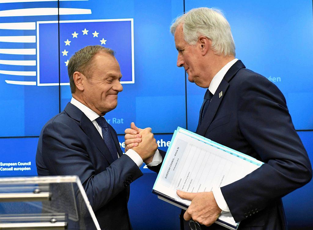 Szef Rady Europejskiej Donald Tusk i główny unijny negocjator Michel Barnier podczas szczytu UE dot. brexitu. Bruksela, 25 listopada 2018