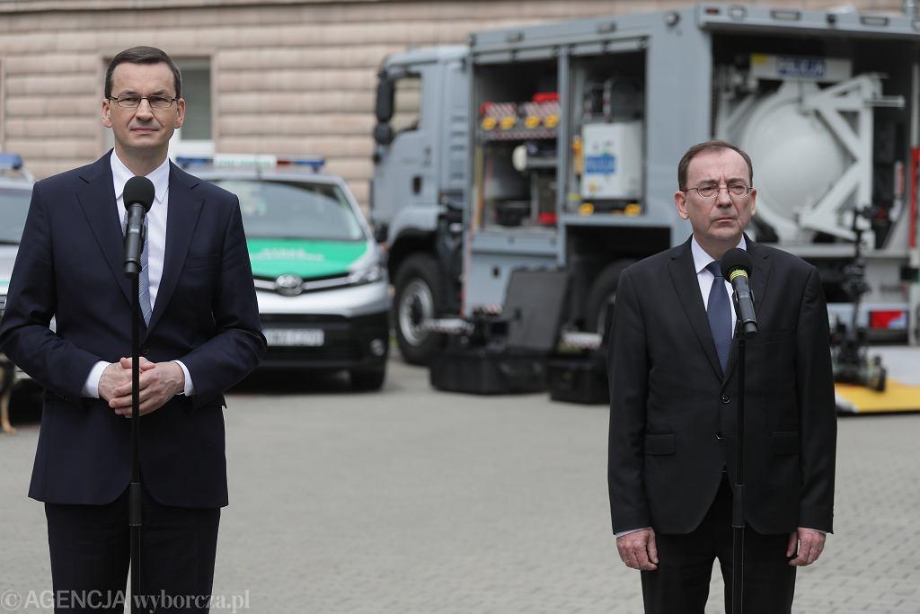 Premier Mateusz Morawiecki i minister spraw wewnętrznych i administracji Mariusz Kamiński