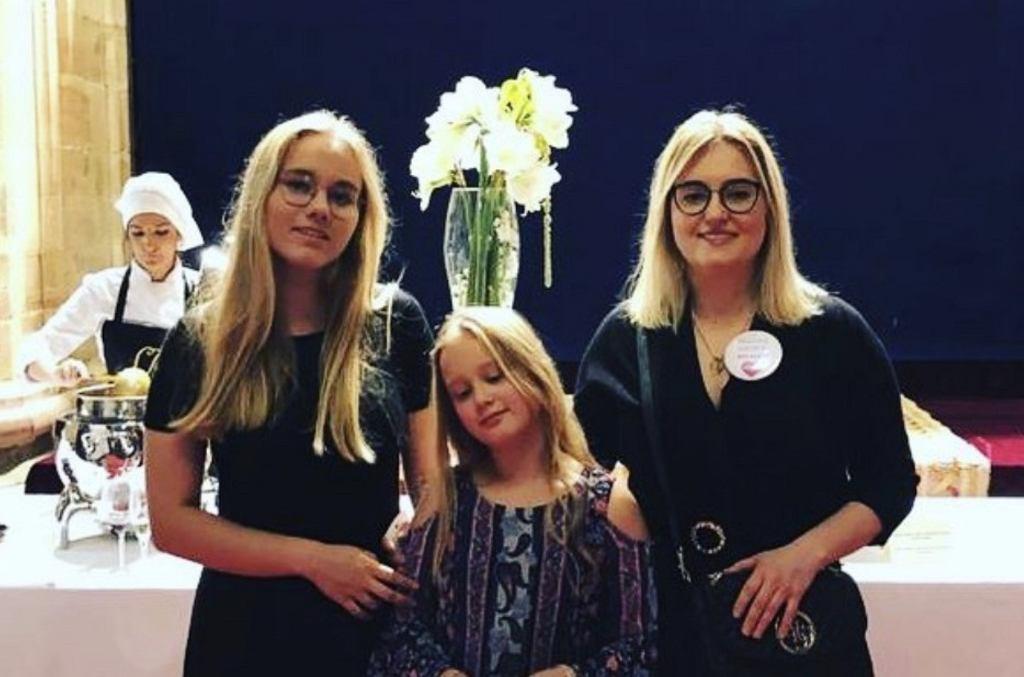 Magdalena Adamowicz z córkami