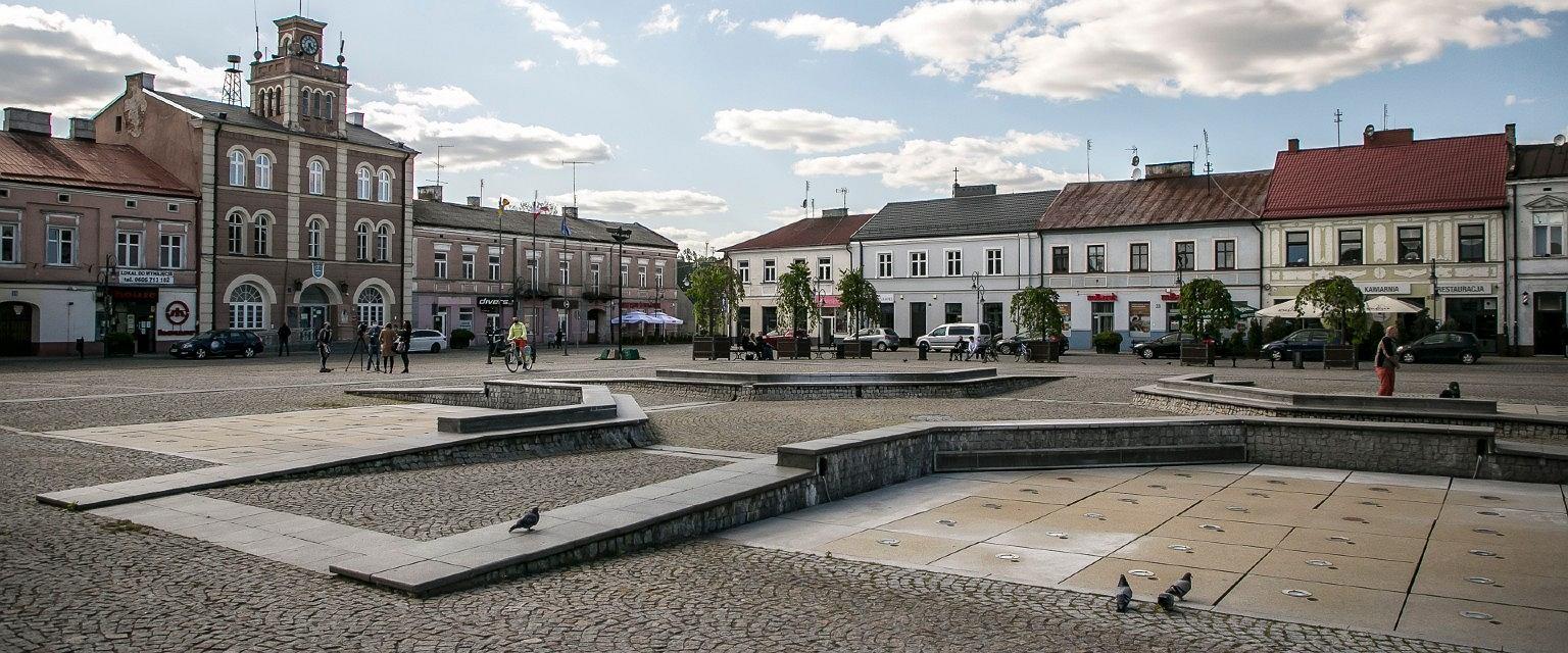Rynek w Skierniewicach. W tym mieście w 2019 roku zabrakło wody (fot: Tomek Kaczor)