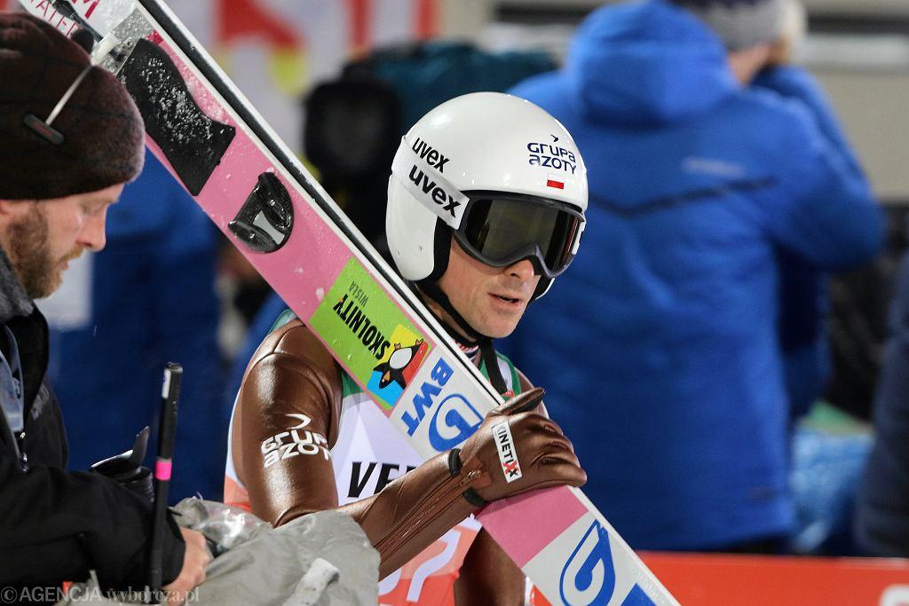 Piotr Żyła podczas serii kwalifikacyjnej pierwszego konkursu Turnieju Czterech Skoczni. Oberstdorf, Niemcy, 29 stycznia 2018