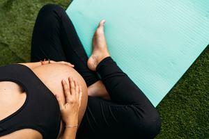 Ćwiczenia w ciąży: wskazane i zakazane. Co warto wiedzieć o aktywności ciężarnych?