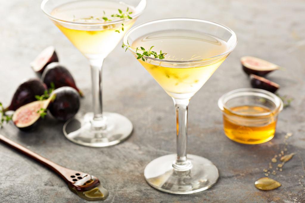 Drinki z Martini? Najpopularniejszy to... drink martini, podawany z oliwką