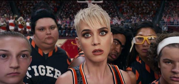 Katy Perry 'Swish, Swish' (screen z teledysku)