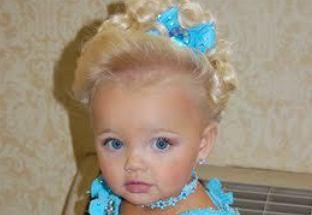 Jako 2-latka zawojowała świat jako żywa lalka Barbie. Jak teraz wygląda mając 10 lat?