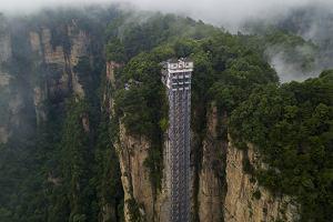 Chiny. Winda Stu Smoków. Najwyższa i najszybsza na świecie winda widokowa