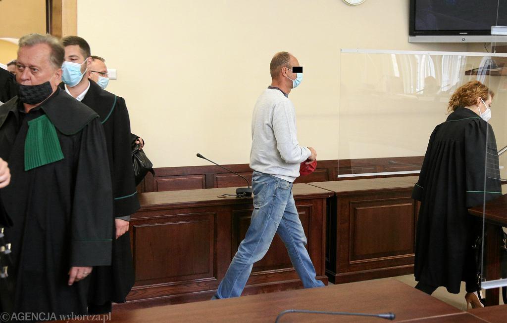 Ogłoszenie wyroku w sprawie o zabicie i zjedzenie człowieka
