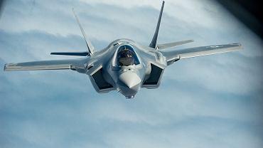 F-35 to następca F-16 w siłach powietrznych Zachodu. Polska tak czy inaczej kiedyś się na nie przesiądzie. Pytanie kiedy.