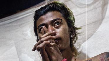 Birmański punk na okładce książki 'Borderline' Grzegorza Sterna